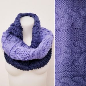 ✨2 ITEMS✨GAP Women's Cable Knit Infinity Scarves